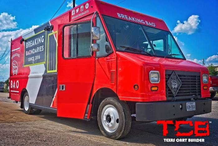 Choosing the Right Vehicle for Building your Custom Food Truck